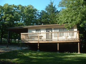 Oak Hill Resort is located on the Little Aunts Creek arm of Table Rock lake