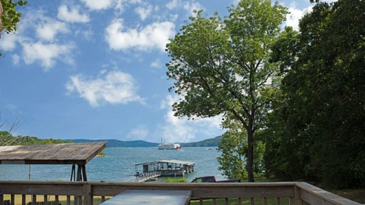 Rock View Resort is located on the shores of Table Rock Lake