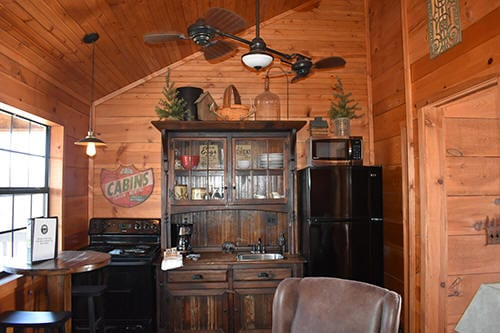 Bootlegger's Bungalow At Bear Creek Bed and Breakfast Lodge Branson Missouri